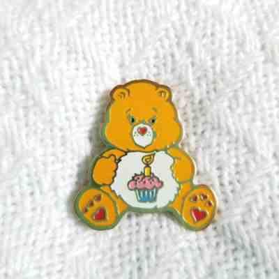 Vintage 1985 Care Bear brooch pin badge